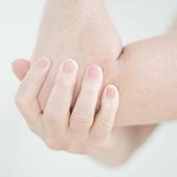 Was hilft bei rauen Ellenbogen?